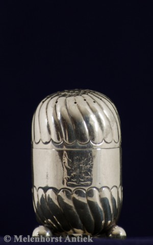 Silberne Salzstreuer