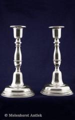 Silberne Kandelaber