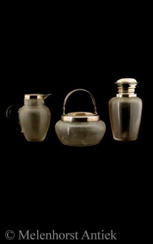 Sahne-Set mit Teedose