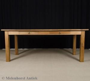 Tisch aus Teakholz
