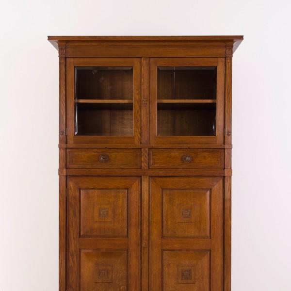 antiker buffetschrank antike uhren melenhorst. Black Bedroom Furniture Sets. Home Design Ideas