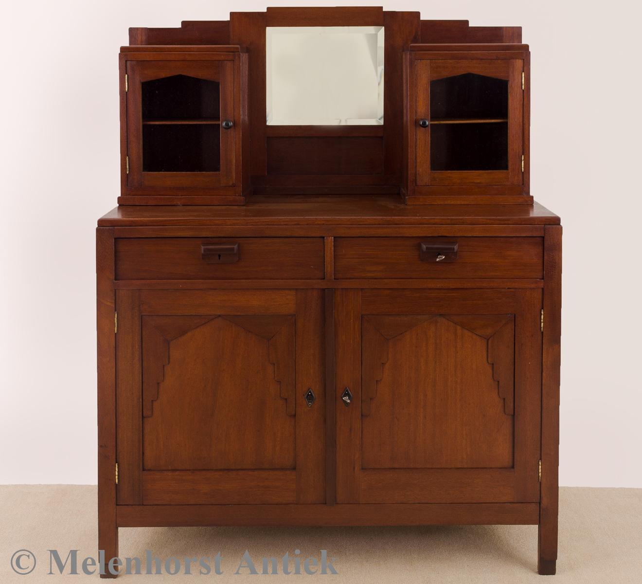 antike anrichte antike uhren melenhorst. Black Bedroom Furniture Sets. Home Design Ideas