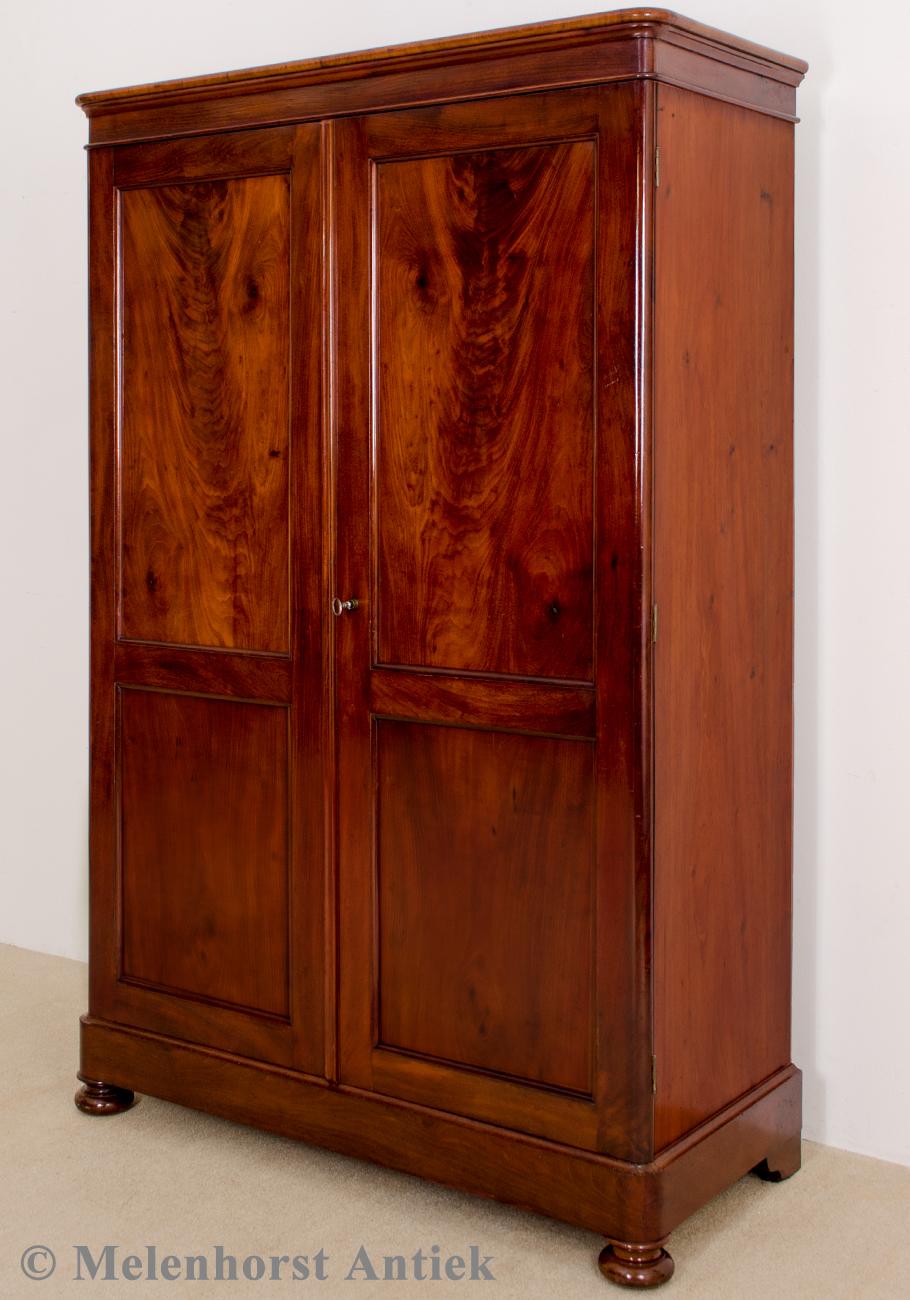 antike biedermeier schrank antike uhren melenhorst. Black Bedroom Furniture Sets. Home Design Ideas