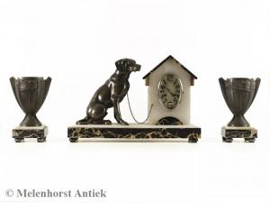 Art-Deco-Pendule mit Hund